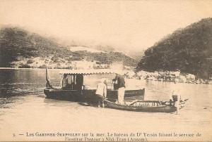Le bateau du Dr.A.Yersin faisant le service de l'institut Pasteur à Nhâ-Tran Annam.
